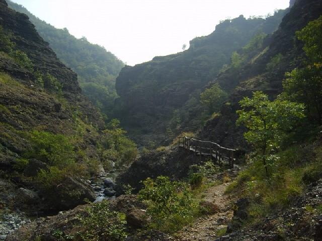 Il sentiero nei conglomerati della valle del rio Gargassa