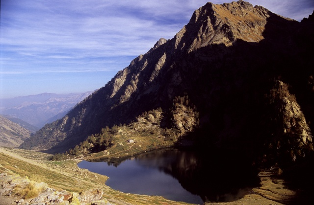 Lago Sella sottano, rifugio Livio Bianco savrastati e Monte Matto